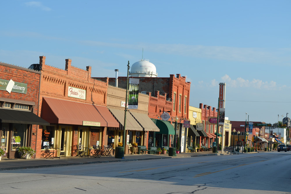 Historic Downtown Grapevine, TX - The AARP Travel Center