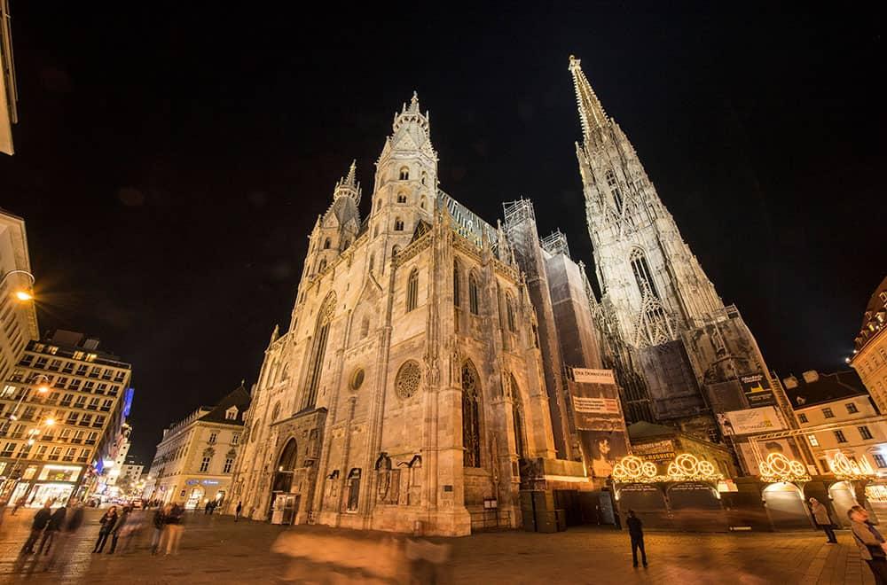 Vienna city tour at night, Stephansplatz