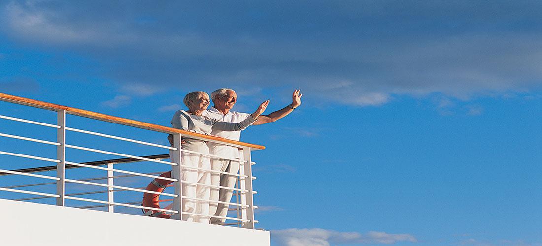 A couple enjoying their senior cruise