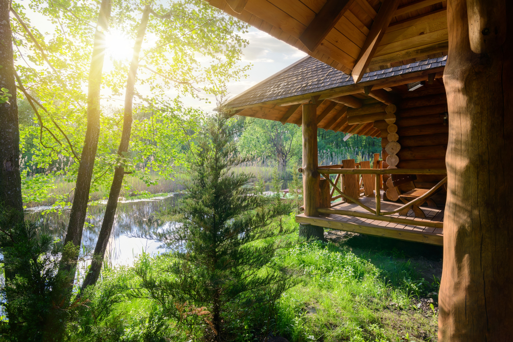 alternative accommodations cabin next to a river